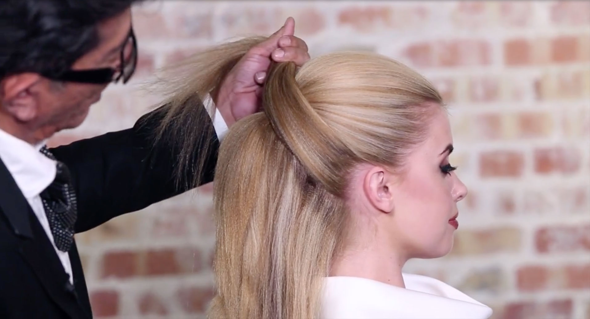 5 Minute Hairstyles Crossover Loop Ponytail By Sam Villa
